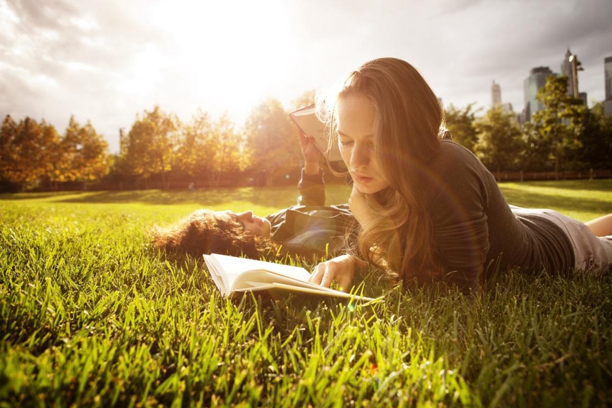 Află care sunt cele 1001 cărți de citit într-o viață!