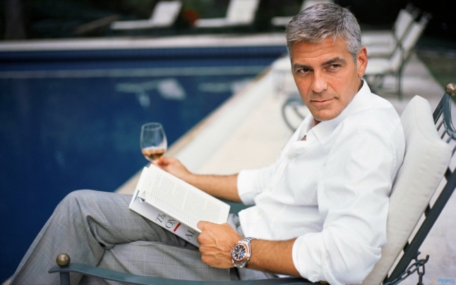 george_clooney_reading1
